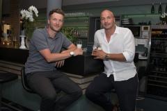 l-r: Benjamin Lauth und Necat Ayguen an der Bar im Golfclub Ingolstadt, 20. Stadler Golf Trophy 2018, Golf, 11.06.2018